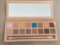 Used New original Kylie cosmetics pallet  in Dubai, UAE