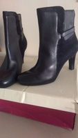 Used Naturalizer boots in Dubai, UAE