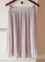 Used Pleated skirt size 38 EUR in Dubai, UAE