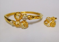 Used 21kt Gold Plated quality bracelet Ring in Dubai, UAE