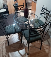 Used Glass table with chairs in Dubai, UAE