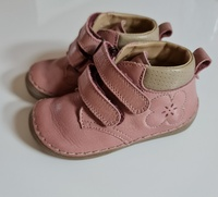 Used FRODDO leather dusty pink shoes, EU22 in Dubai, UAE