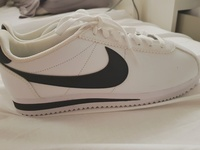 Used Nike cortez leather shoes شوز نايكي جديد in Dubai, UAE