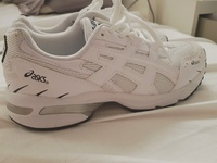 Used Asics Gel running shoes شوز اسيكس جديد in Dubai, UAE