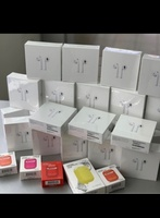 Used APPLE AIRPODS FREE COVER WITH IT NEW🧡 in Dubai, UAE