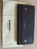 Used Burberry 100% Leather wallet for women in Dubai, UAE