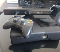 Used Xbox 360 with kinect and one controller in Dubai, UAE