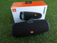 Used JBL CHARGE4 LOUD SPEAKER NEW DEAL🟣 in Dubai, UAE