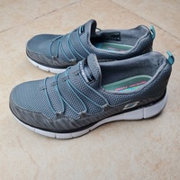 Used Sketchers dual lite trainers eur 37 in Dubai, UAE