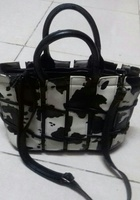 Used DESIGNER SHOULDER BAG in Dubai, UAE