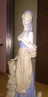 Used Lady figurine statue  act prize -1900 dh in Dubai, UAE
