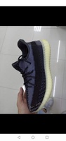 Used High Quality  Yeezy size 36-45 in Dubai, UAE