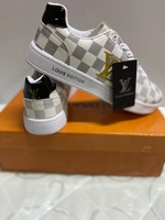 Used LV sneaker new unisex size 39 in Dubai, UAE