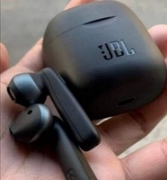 Used Great deal.. BEST BUY . JBL BLUETOOTH in Dubai, UAE