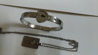 Used Very beautiful bracelet with lock in Dubai, UAE