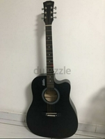 Used Mike- black Guitar in Dubai, UAE