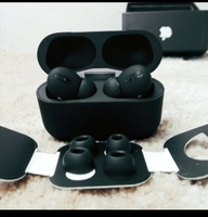Used BLACK APPLE AIRPOD PRO🍎🍎 in Dubai, UAE