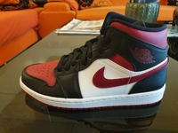 Used Jordan 1 mid Bred toe US8 in Dubai, UAE