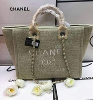 Used Chanel ladies handbag 👜 in Dubai, UAE