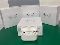 Used APPLE AIRPODS PRO NEW WIRELESS PRO FAST in Dubai, UAE