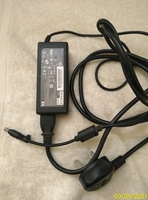 Used Leptop charger HP used 65w in Dubai, UAE