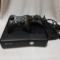 Used Xbox 360 with 2 Controllers in Dubai, UAE
