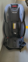 Used Graco 4 in 1 car seat in Dubai, UAE