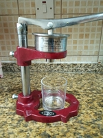 Used Citrus juicer, manual in Dubai, UAE