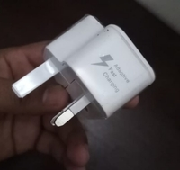 Used SAMSUNG MOBILE CHARGER PLUG 🔌 in Dubai, UAE