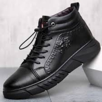 Used High quality leather shoes black size 44 in Dubai, UAE