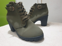 Used Ladies high ankle boots ( Size 40 ) in Dubai, UAE