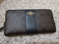 Used Coach wallet Original in Dubai, UAE