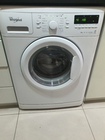 Used Washing Machine (Whirlpool - Like New!) in Dubai, UAE