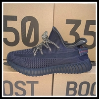 Used Yeezy 350 boost. Quality shoe.size 43 in Dubai, UAE
