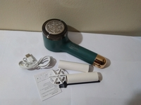 Used 2 in 1 Fabric shaver lint green 1 set in Dubai, UAE