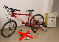 Used Giant bike with trenar and car holder in Dubai, UAE