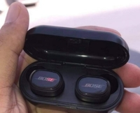 Used TWS6 EARBUDS PACKED BOSE HIGH QUALITY.🎀 in Dubai, UAE