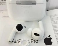 Used APPLE AIRPODS PRO3 GET NOW BEST WHITE🤩 in Dubai, UAE