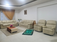 Used White Leather Sofa Set (with 2 recliners in Dubai, UAE