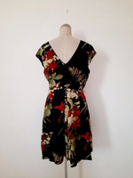 Used TED BAKER floral dress (M) in Dubai, UAE