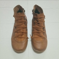 Used Leather flat heel boots brown in Dubai, UAE
