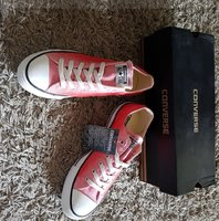 Used Converse new unisex in Dubai, UAE