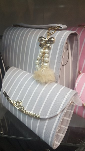 Used Trendy purse with free wallet in Dubai, UAE