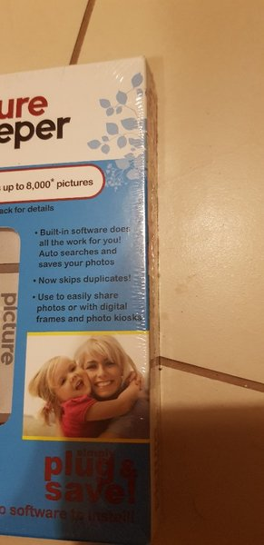 Used Picture Keeper USB up to 8000 photos in Dubai, UAE