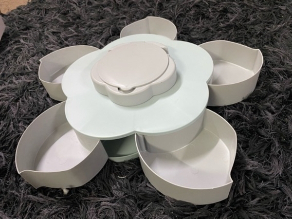 Used Tray food container in Dubai, UAE