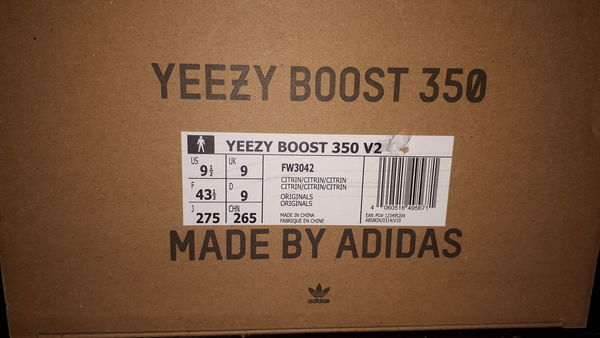 Used Yezzy boost 350 CITRIN US 9- UK 9 in Dubai, UAE