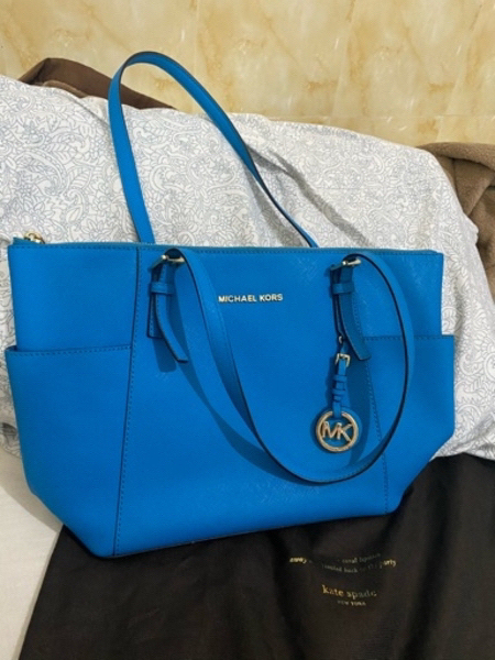 Used Authentic Michael Kors Bag Blue Color in Dubai, UAE