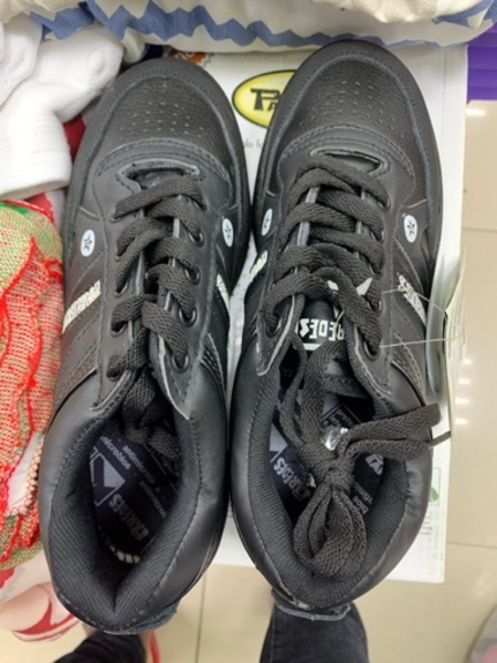 Used Black shoes different size in Dubai, UAE