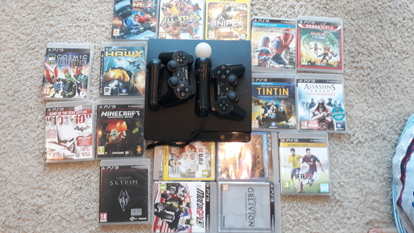 Used Ps3 console , 2 controllers And 17 games in Dubai, UAE