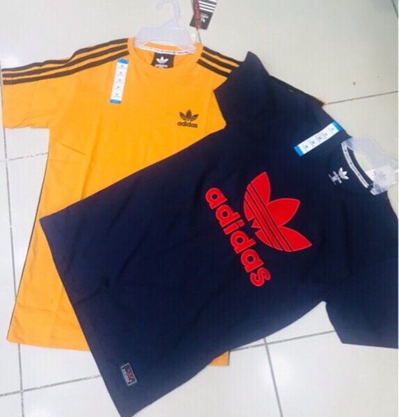Used 2 Adidas tee shirt cotton / Medium ♥️ in Dubai, UAE